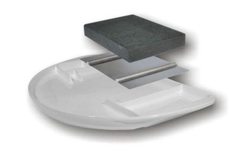 Grilovaci tanier s lávovým kameňom
